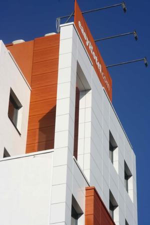 easyHotel Sofia - Facade