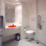 easyHotel Sofia - Баня за хора с увреждания